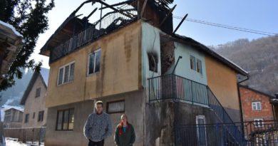 Budimo humani / Pomozite četveročlanoj porodici iz Vareša kojoj je vatra uništila dom