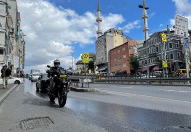 Učenje hatme na motociklu: Imam džamije u Istanbulu je hafiz i bajker